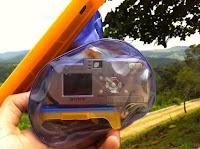 Foto mostrando com fica a parte de trás da câmera.