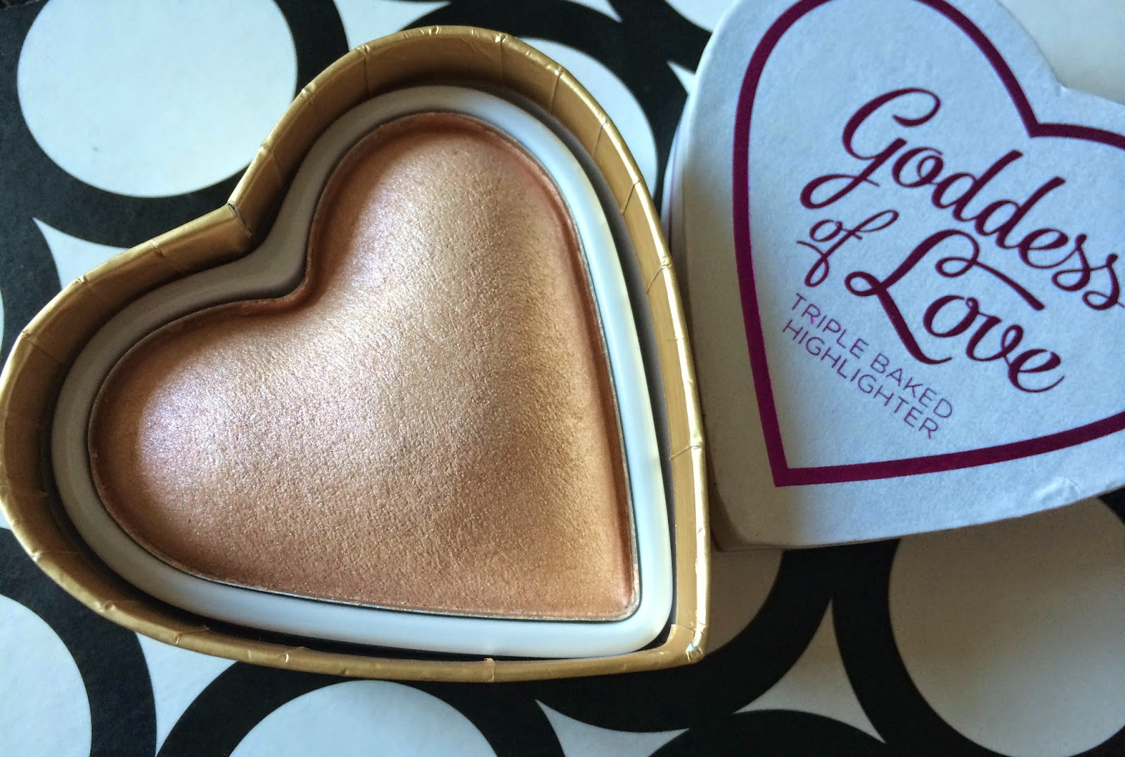 Makeup Revolution I Heart Makeup Goddess of Love Highlighter