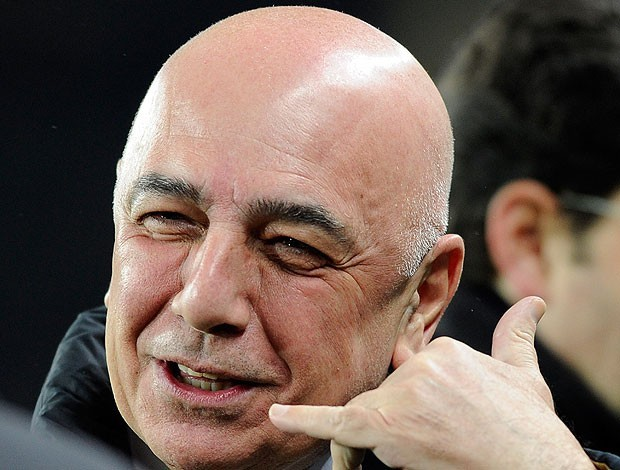 Galliani confirma que irá se reunir  com presidente do Real por Kaká