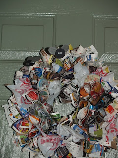 garbage wreath from lauralooloo.blogspot.com