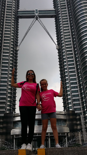 El mundo con ella en las Torres Petronas
