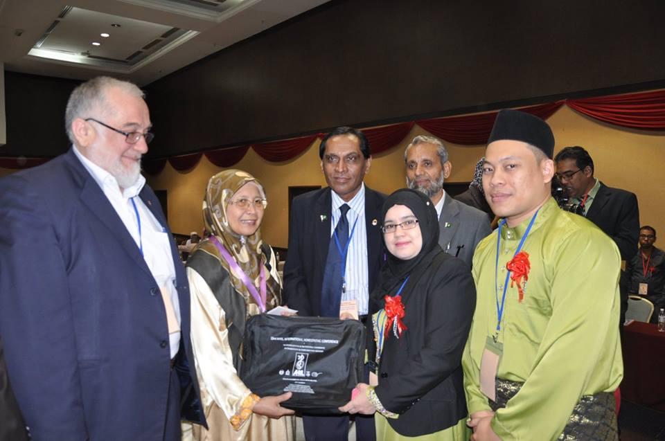 Bersama Dr Zakiah President IMR