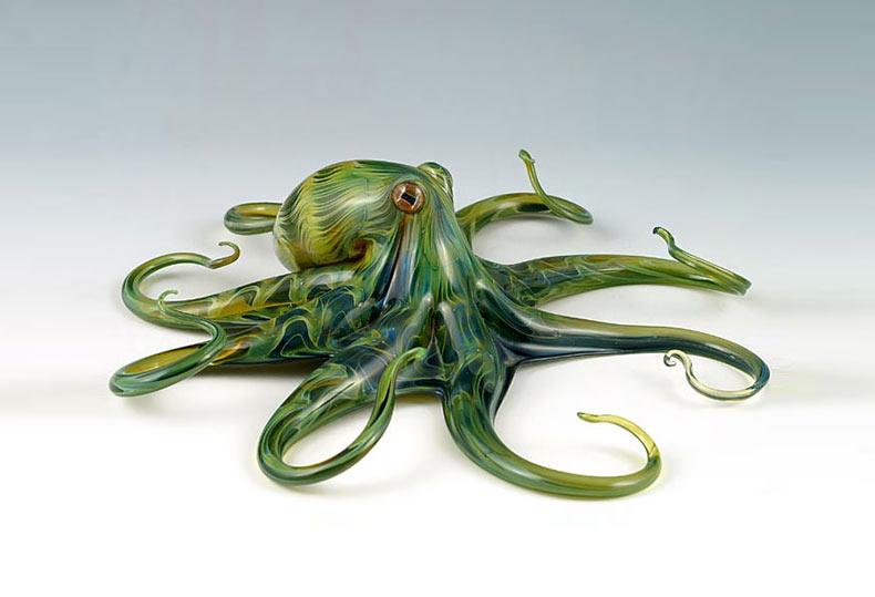Criaturas de vidrio soplado a mano cobran vida en hermosas esculturas