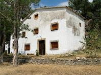 Casa davant mateix del Mirador de la Campana