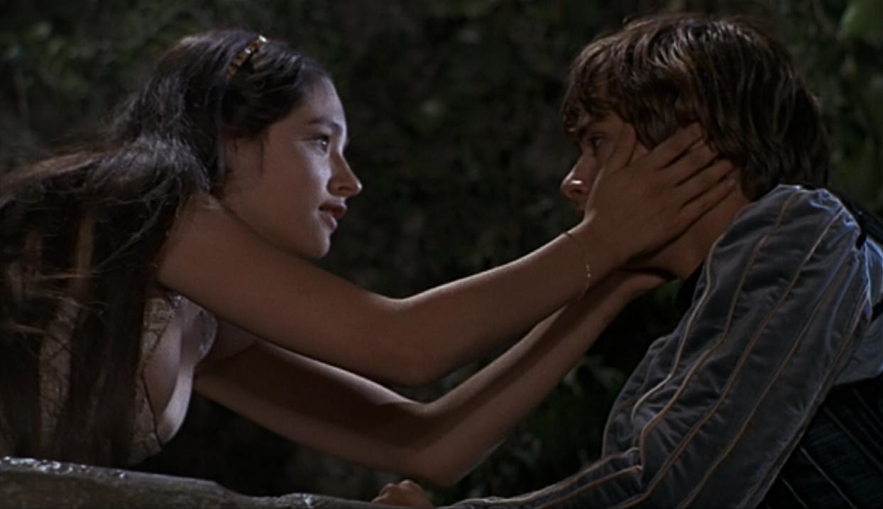 romeo juliet film critique Read the empire review of william shakespeare's romeo + juliet find out everything you need to know about the film from the world's biggest movie destination.