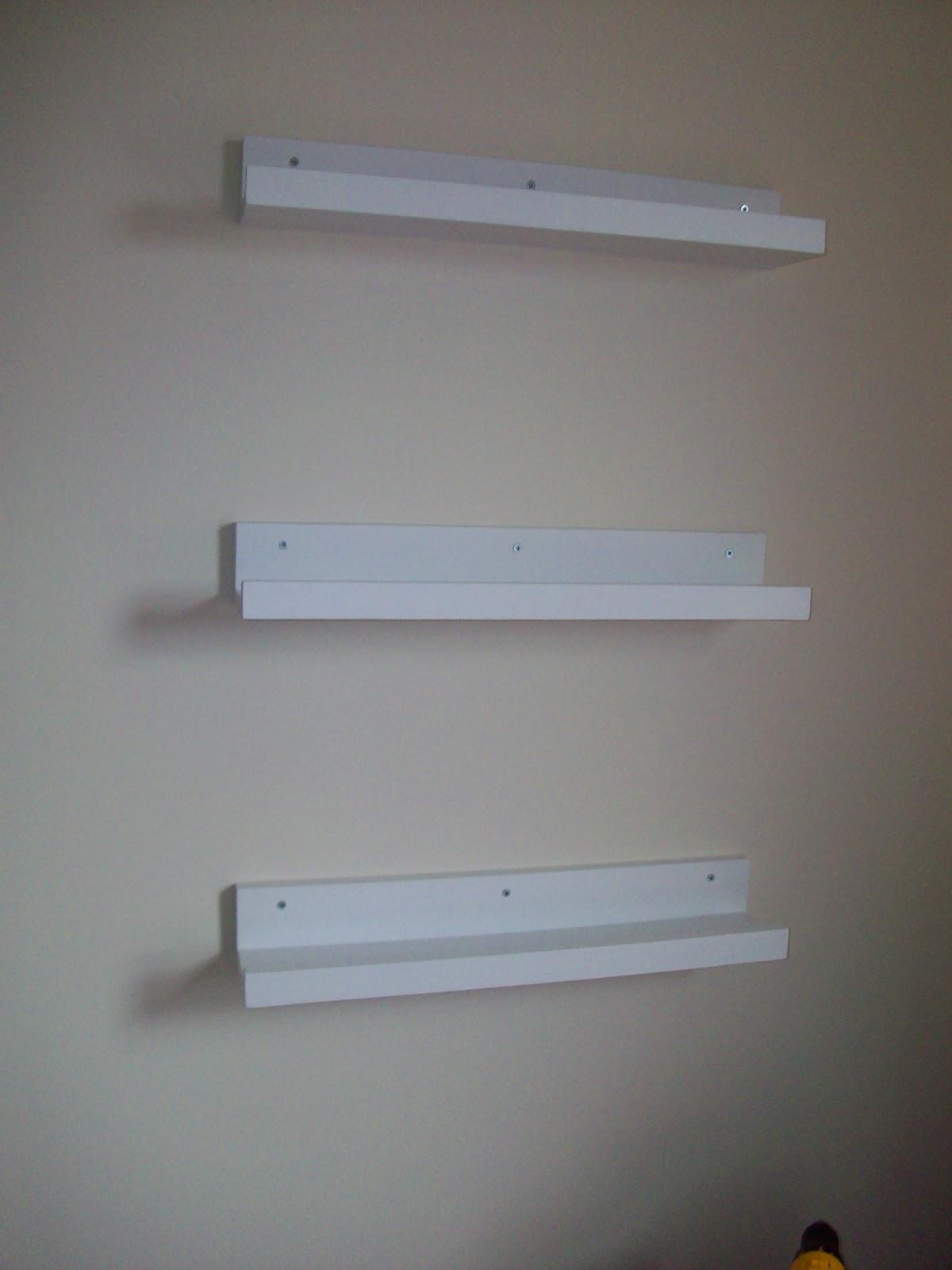 DIY FrontFacing Bookshelves 1200 x 1600