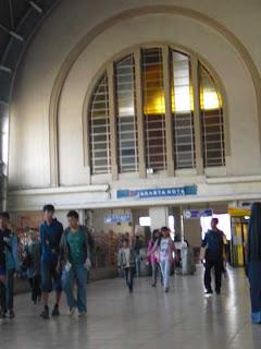 Jadwal Kereta Api Ekonomi | Harga Tiket Kereta Api Ekonomi Terbaru
