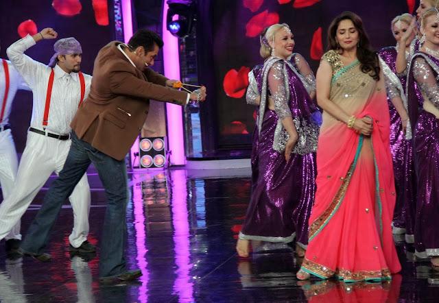 Salman Khan and Madhuri Dixit recreating the ever popular step of a song Didi tera Devar Diwana' from movie 'Hum Apke Hein Kaun'