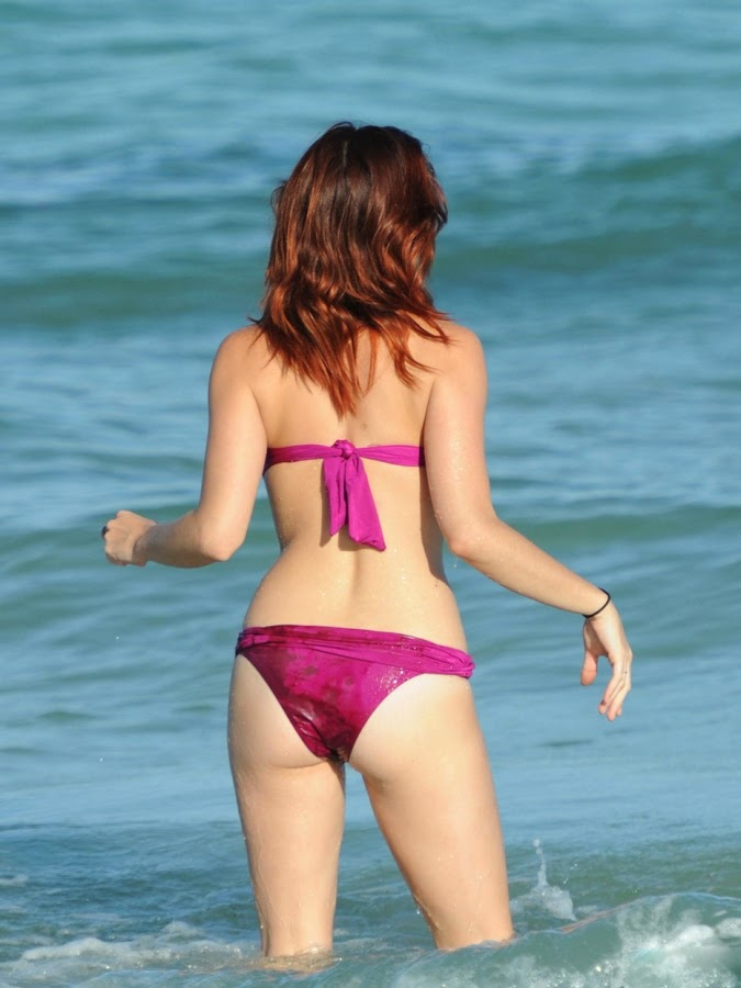 Jessica Sutta in Hot Bikini sexy photos