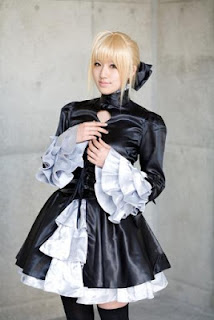 Saya Cosplay as Saber from Fate/Stay Night