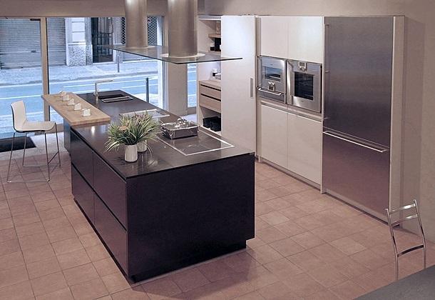 Espai decuina ripollet barcelona junio 2012 - Alicatar cocina detras muebles ...