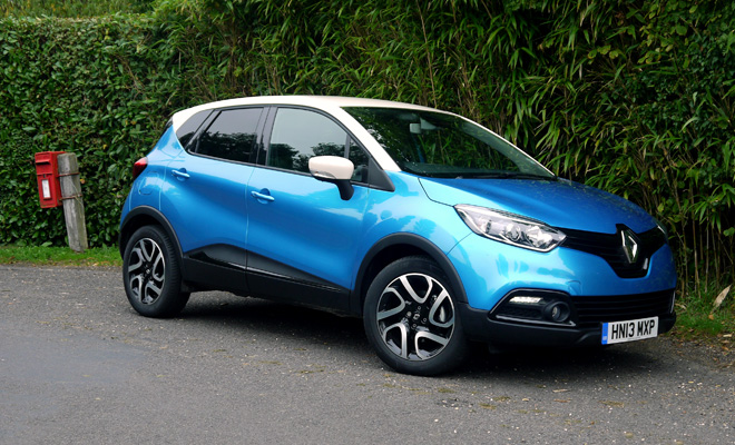 cute crossover renault captur reviewed. Black Bedroom Furniture Sets. Home Design Ideas