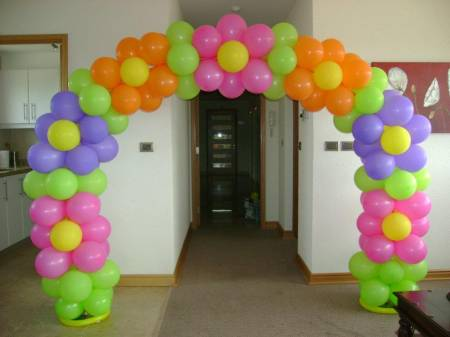 sbado de agosto de arco de globos with como hacer flores con globos