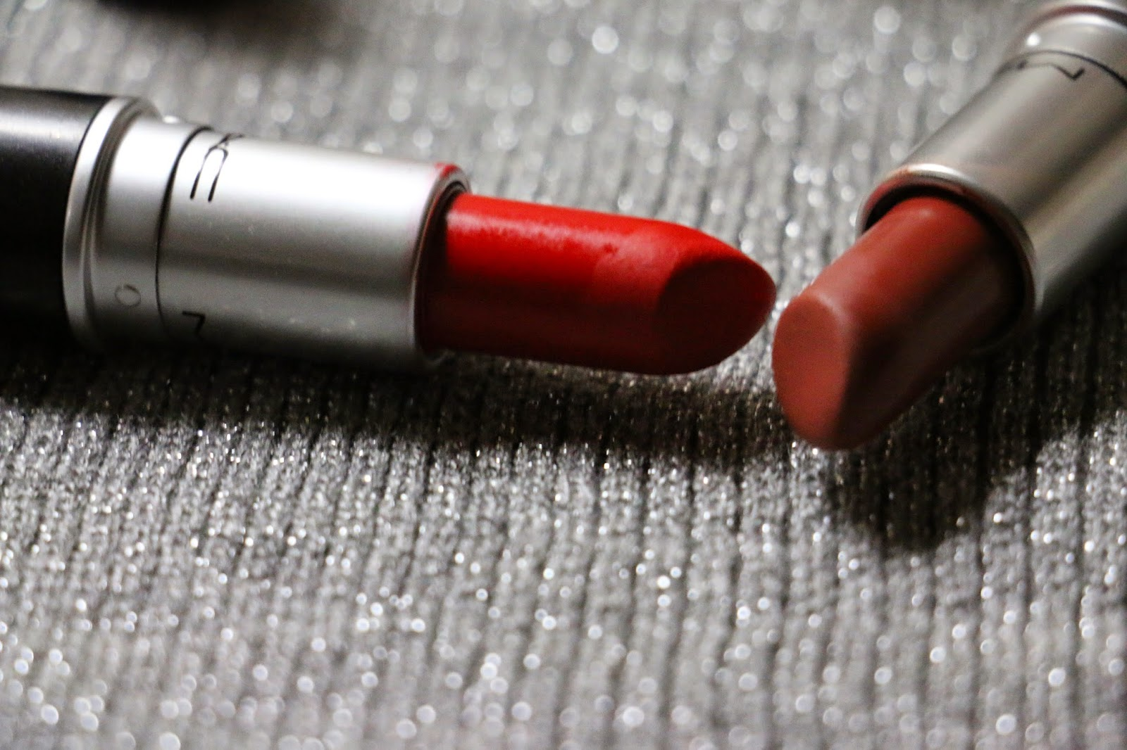 turkish youtuber - güzellik blogları - makyaj blogları -mac lady danger -flormar lip balm - burts bees - mac pander me - ruj bağımlısı - tag videoları -  addicted to lipstick