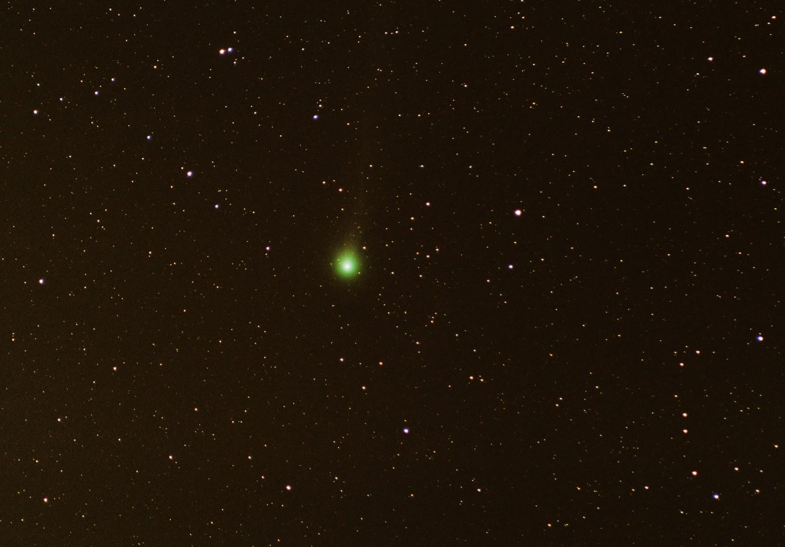 comet lovejoy DSLR 300mm