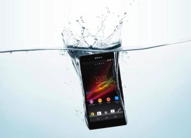 Sony Xperia ZR, la versión pequeña del Xperia Z