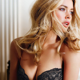 Doutzen Kroes very hot in sexy Victoria's Secret lingerie HQ