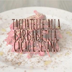 http://pane-e-marmellata.blogspot.it/2014/12/tagliatelle-rosse-per-natale.html