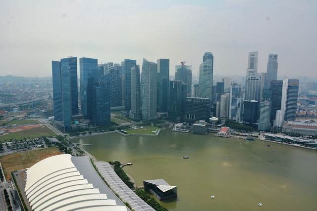 Ku De Ta Bar Singapore skyline