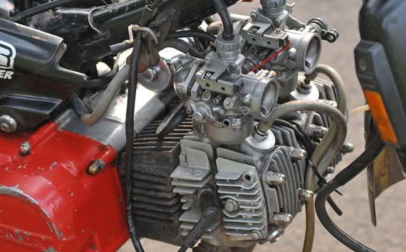 untuk modifikasi motor bebek Honda Astrea Grand pada kepala silinder  title=