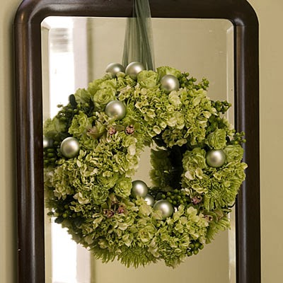 Hydrangea Christmas Wreath from FrySauceandGrits.com