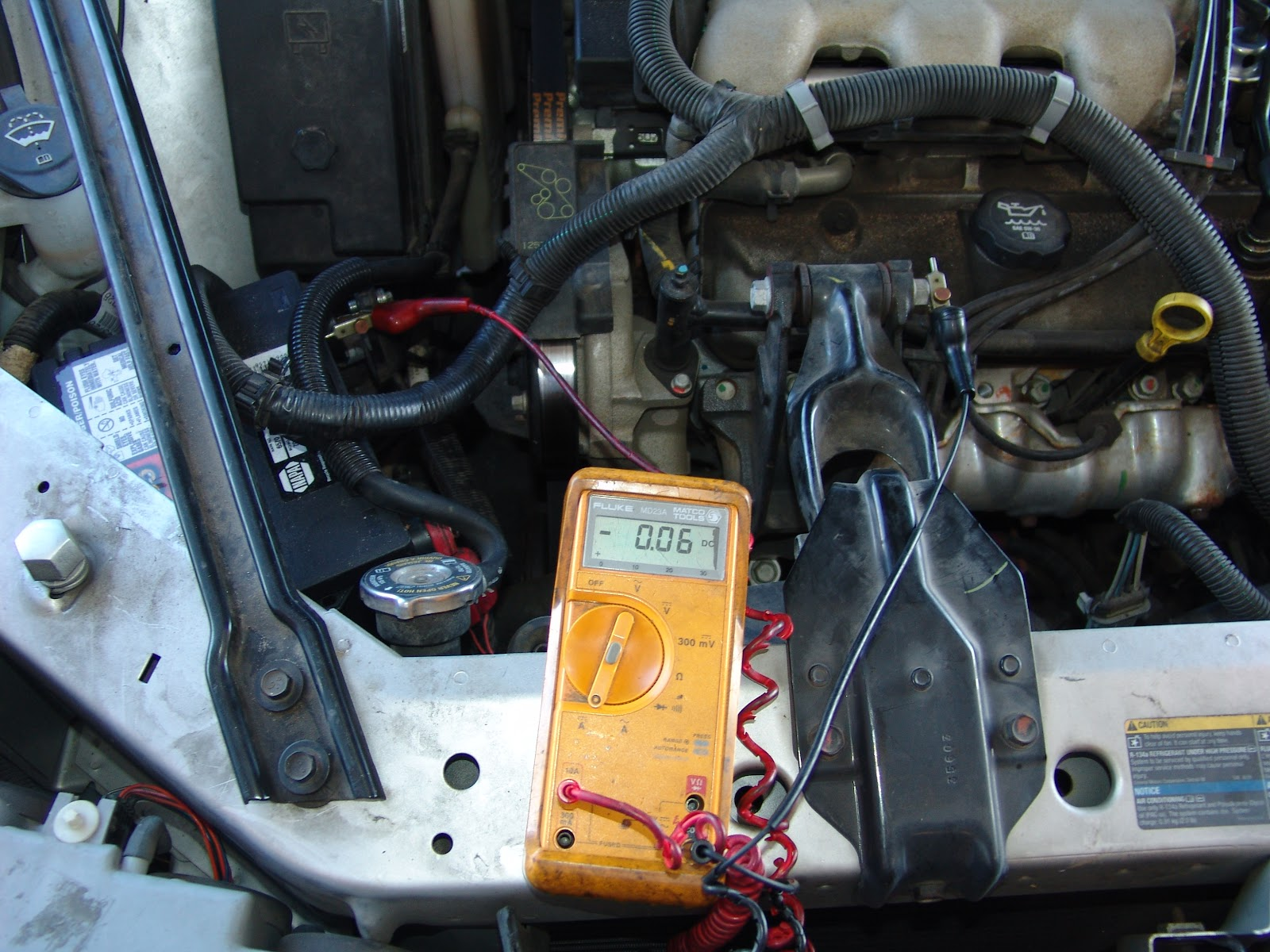 how to change a battery on a 2007 gmc acadia