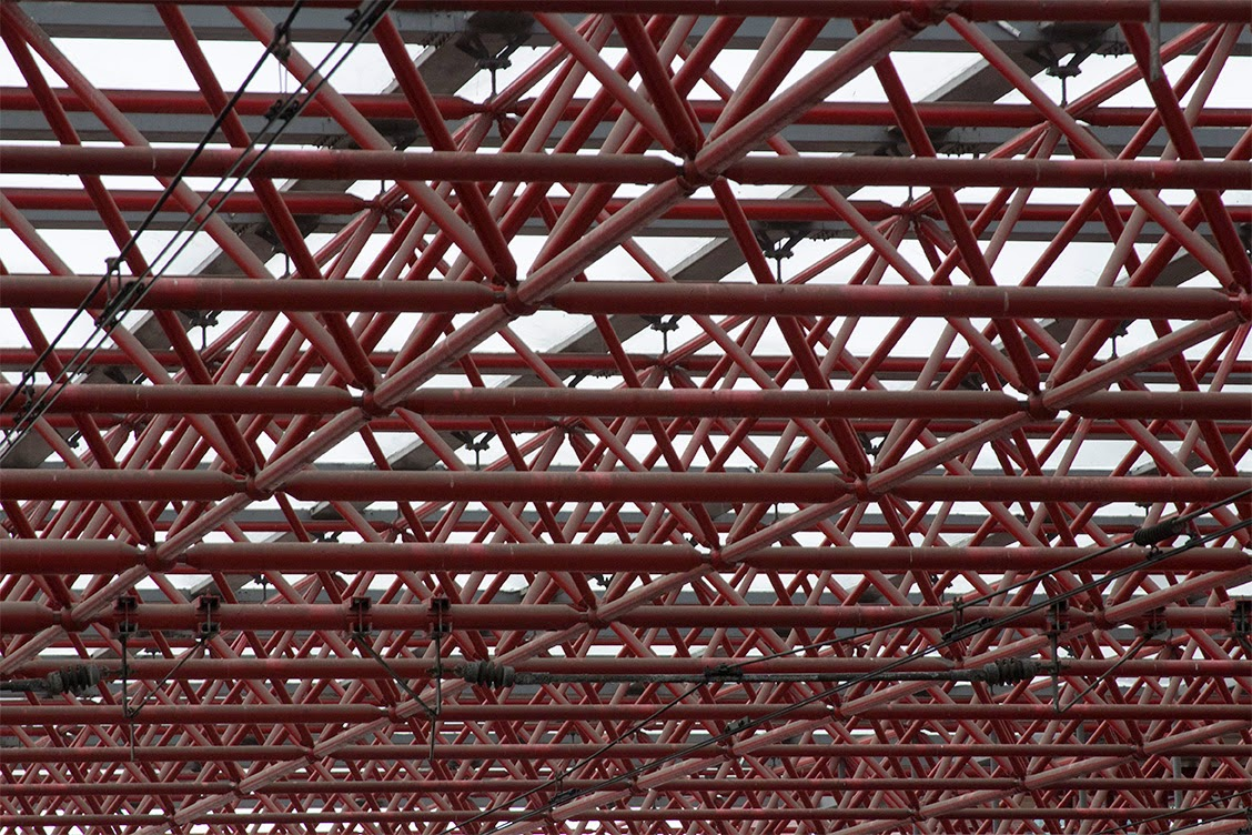 red patterned roof of railway station Zaandam