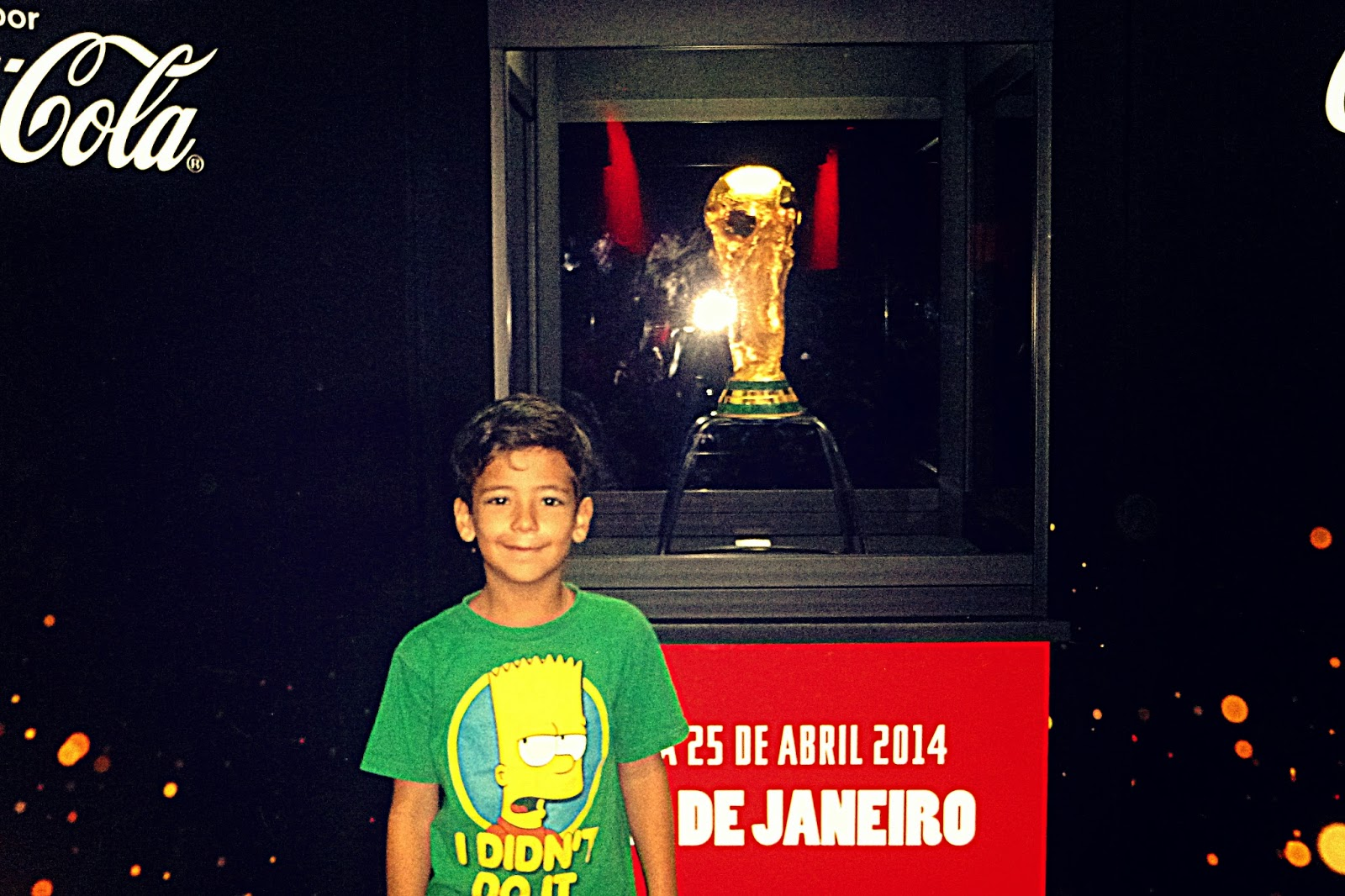 Exposição da Taça no Maracanã 2014