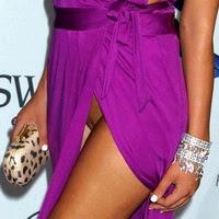 angela martini upskirt 060911 Hoa hậu Albani Angela Martini không mặc quần chíp lộ hàng