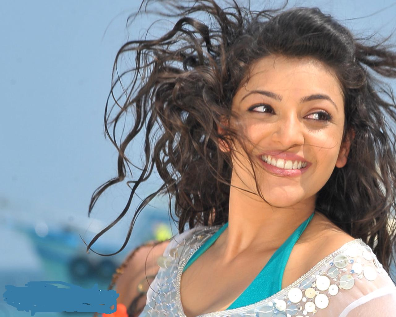Kajal Agarwal Beautiful: FREE HDWALLPAPERS: KAJAL AGARWAL BEAUTIFUL SMILE
