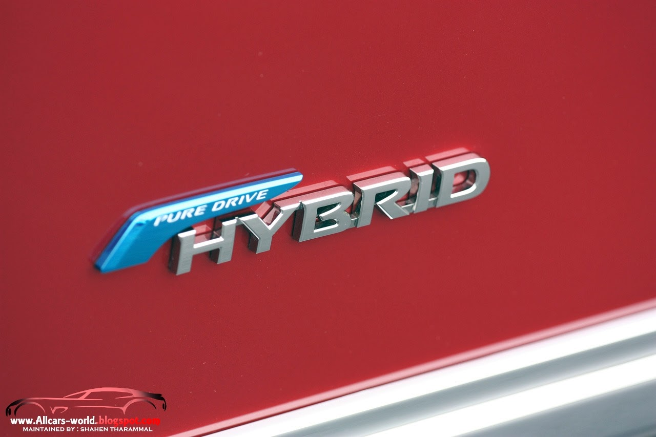 Automotive news 2014 nissan pathfinder hybrid towards the exterior design the 2014 nissan pathfinder hybrid will come with the dashing and fluid tall wagon look and also more curvy lines as compared to vanachro Image collections