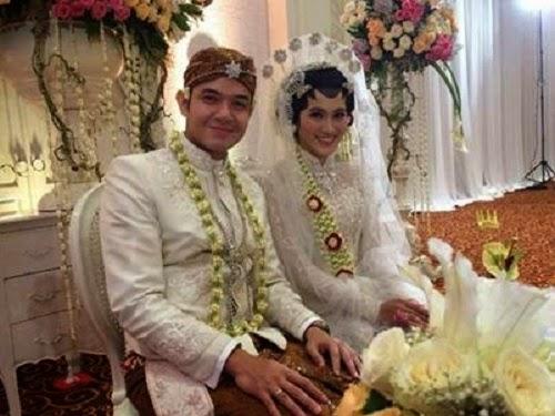 Alyssan Soebandono dan Dude Harlino menikah