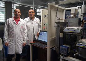 De Izq. a Der: Profesor Nilson Marriaga y Profesor Fiderman Machuca