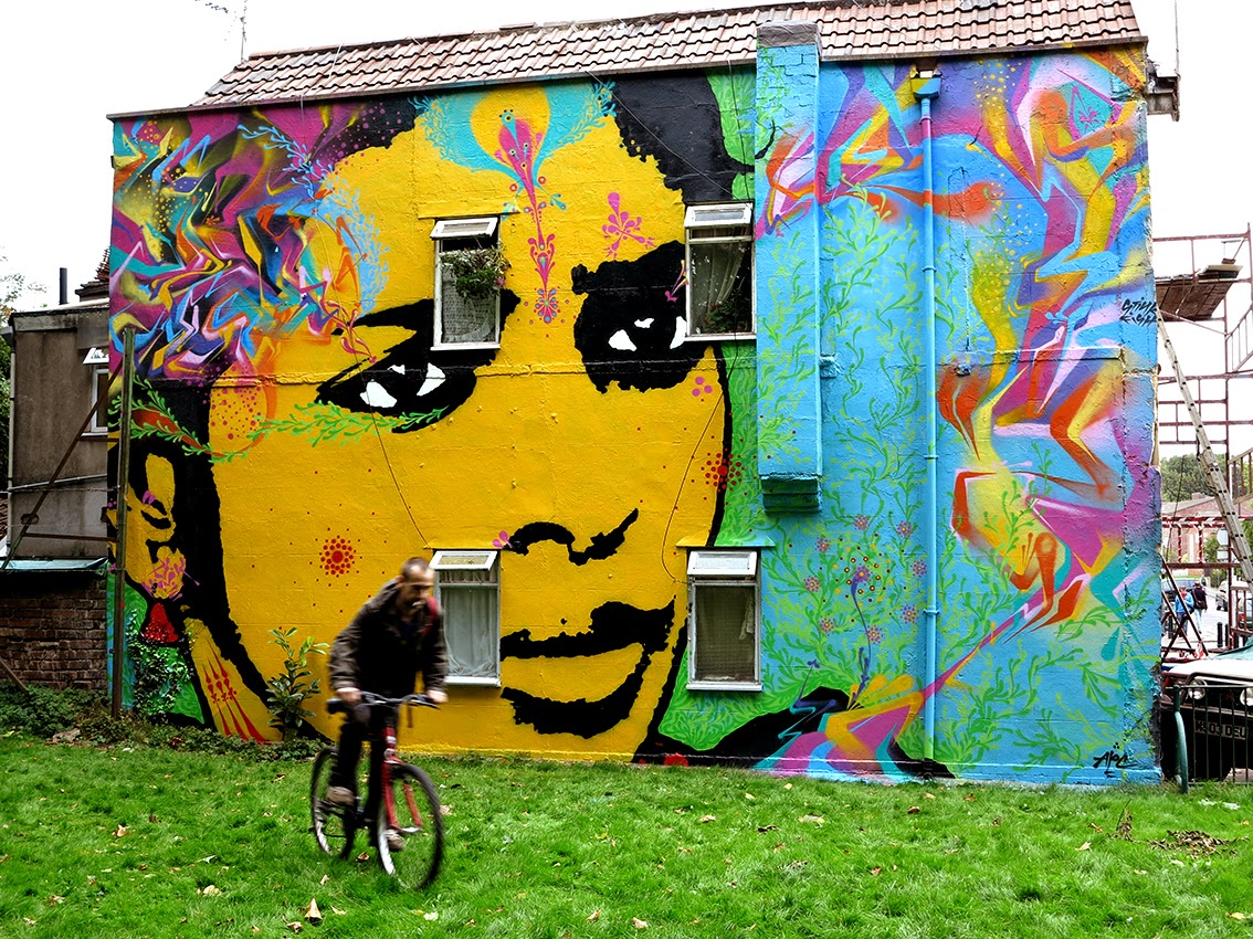 Colombian muralist Stinkfish has reached Europe where one of his first stop was the city of Bristol in South UK.