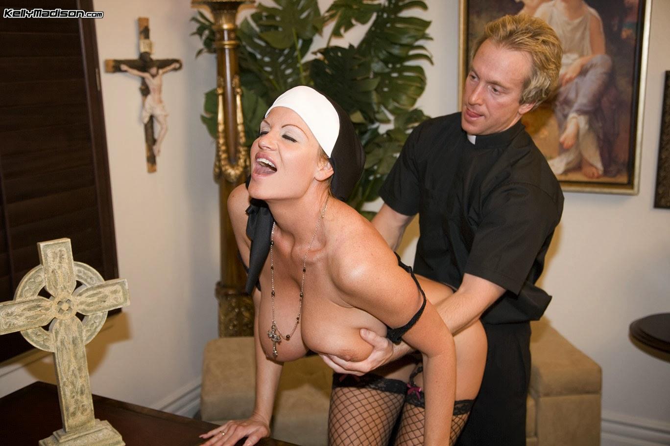 Секс фильмы изврашонное жина свяшенника спереводом