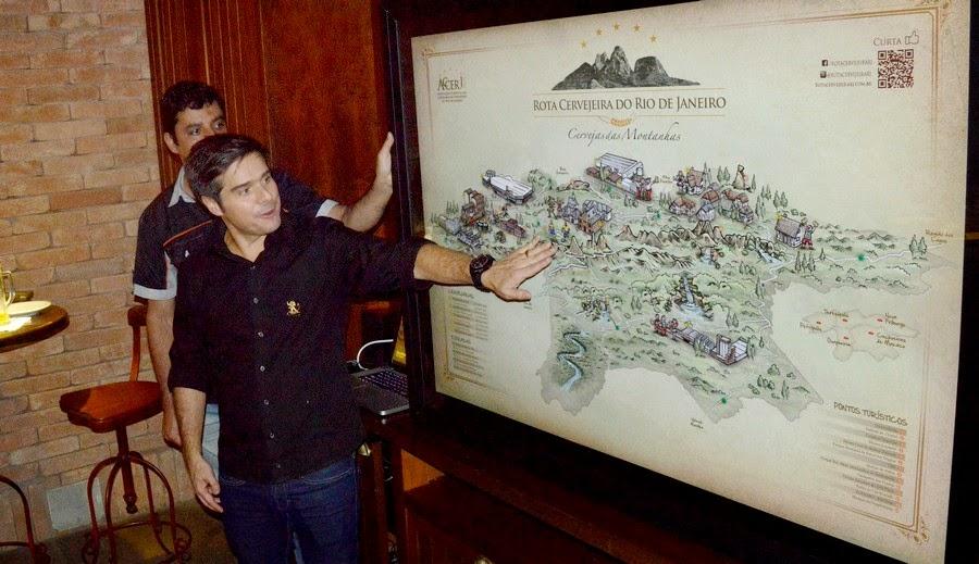 Empresário Mozart Rodrigues apresenta o mapa da Rota Cervejeira do Rio de Janeiro