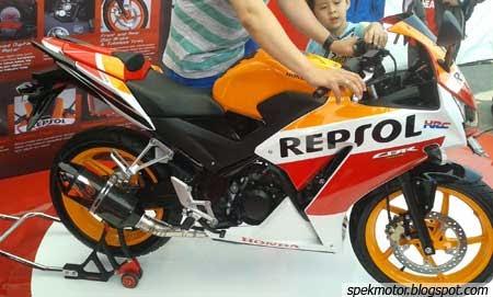 foto gambar Honda CBR150R Repsol Lokal