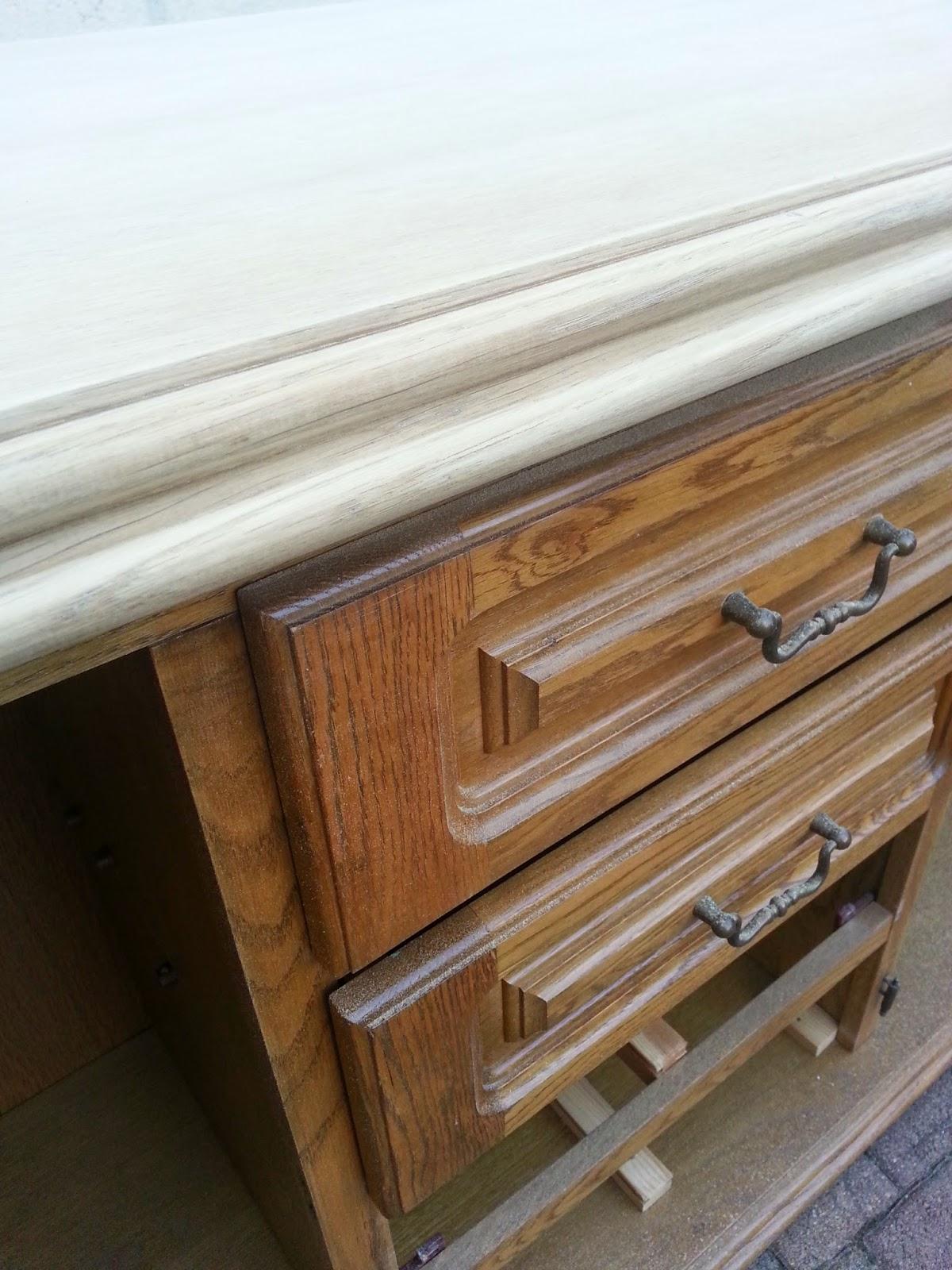 Meble Ogrodowe Drewniane Czym Pomalowac : simply about home Jak pomalować drewniane meble na biało DIY