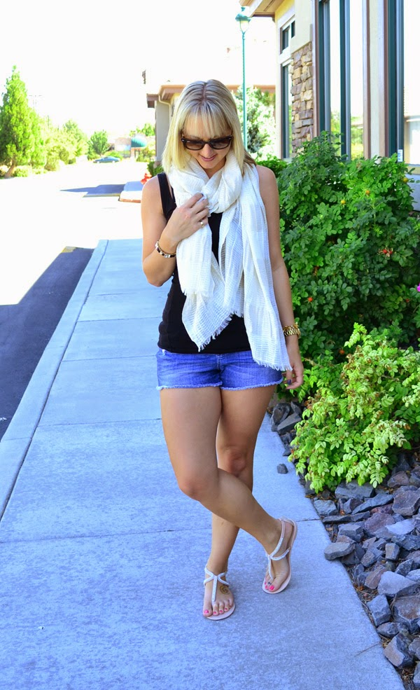 style blog, nevada blogger, metallic scarf, black tank top, fashion blogger