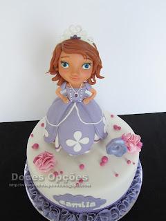 Gâteau d'anniversaire avec la princesse Sofia disney