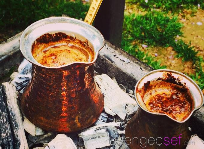 kopuklu-turk-kahvesi-nasil-yapilir