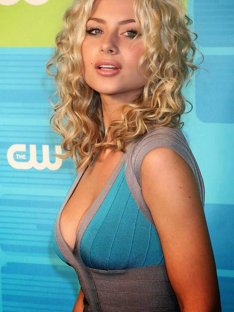 Hollywood Actress And Model Aly Michalka Latest Photos Collection