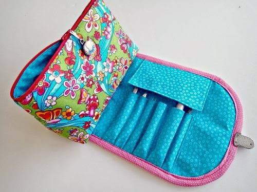 http://so-sew-easy.com/ankes-brushes-bag-video/