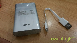 Smartphone Asus Zenfone 5, Power Bank Asus ZenPower 1050 mAh - Miz Tia
