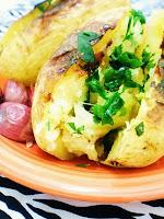 Batatas Assadas com Alho e Ervas (vegana)
