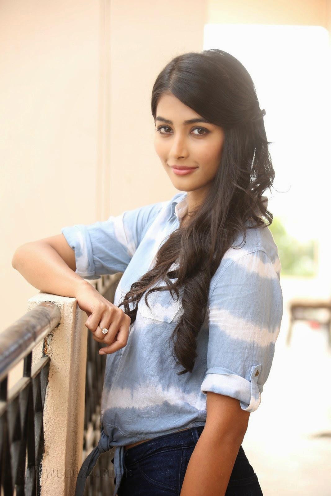 Pooja hegde gorgeous photo shoot-HQ-Photo-15