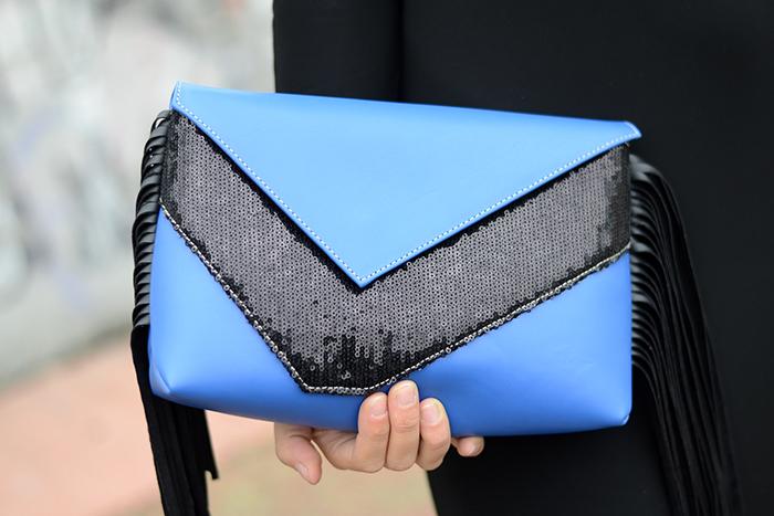 borsa blu nera con frange