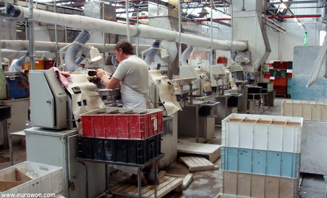 Proceso de cortado de la fábrica de cristal de Waterford