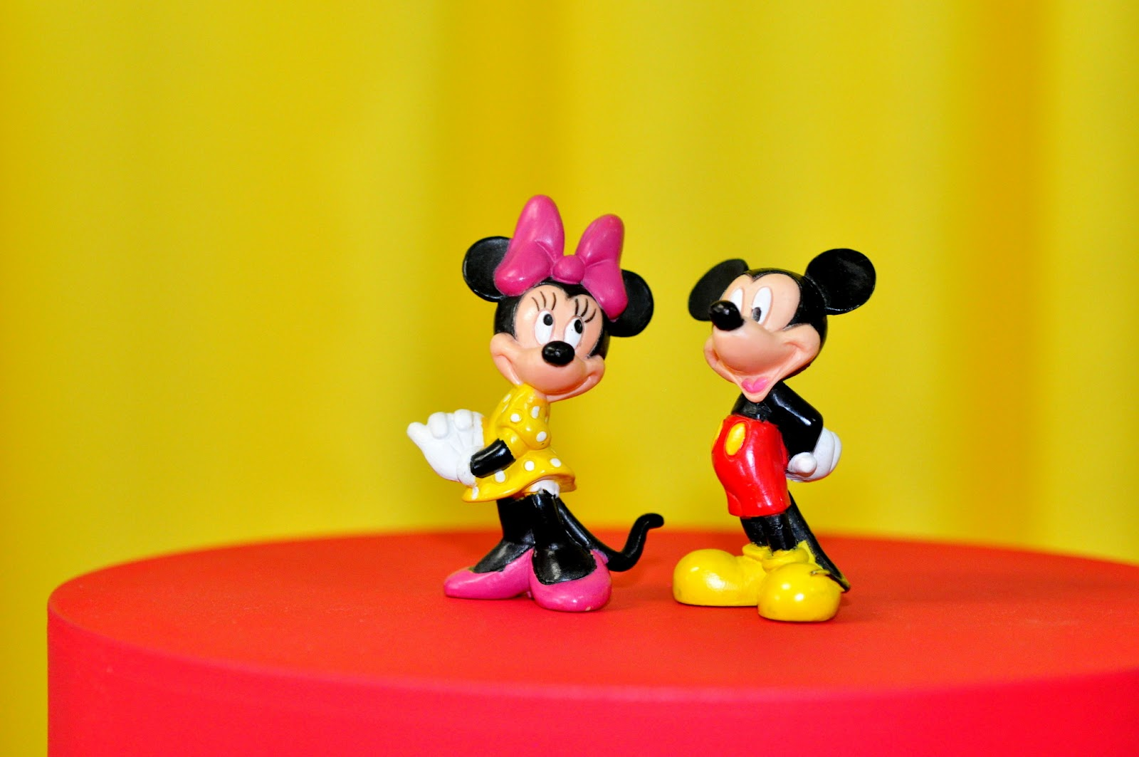 Disney, Mickey, Minnie, Pateta, Pluto, Donald e Margarida.