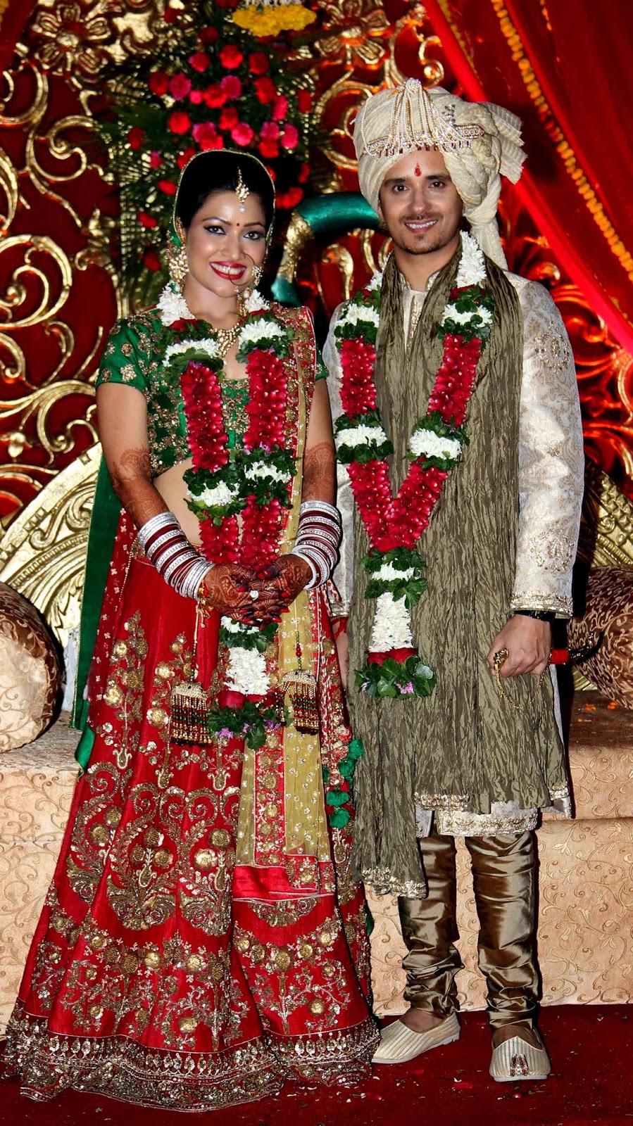 Bollywood, Showbiz, Singer, Raghav Sachar, Actress, Amita Pathak, Film, Movie, Marriage, Wedding, Lifestyle, Mumbai, India, Parents, Ceremony,